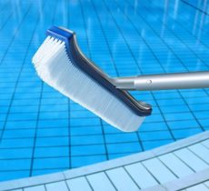 How to Clean a Swimming Pools