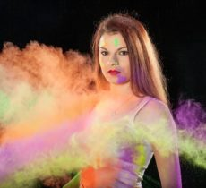 How to Protect Your Skin and Hairs from Holi Colors