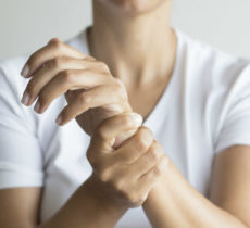 Wrist Pain: What are the causes and the Treatments?