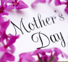 Beautiful Types of  Flowers Arrangements for For Mother's Day Gift